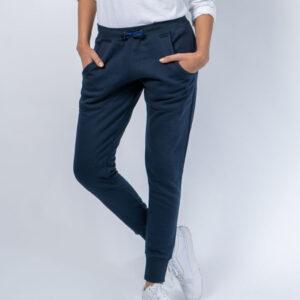 Pantalones y babuchas